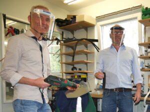 Lutz und Dirk Molitor mit unseren Visierschutzmasken